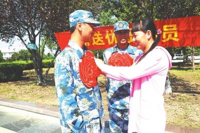 红安县首批新兵正式起运