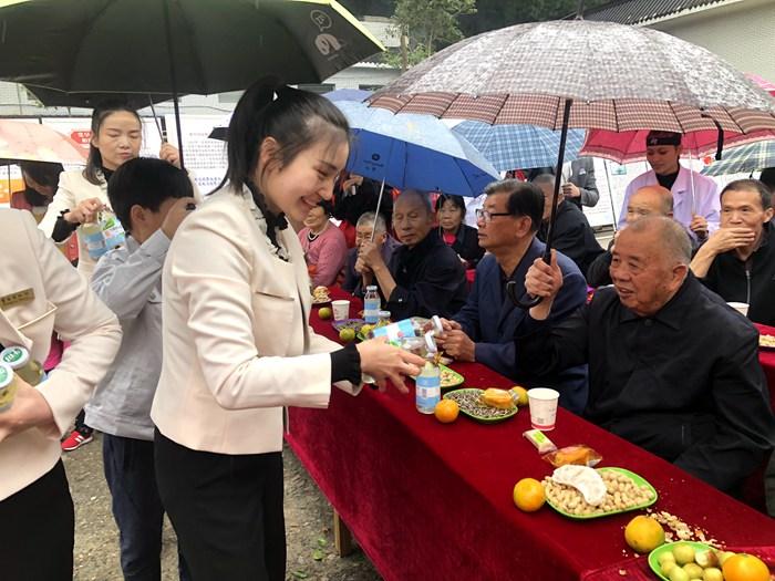 黄冈博物馆走进养老院开展重阳节系列文化活动