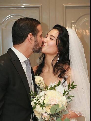 郑佩佩女儿结婚 郑佩佩老公原文通照片