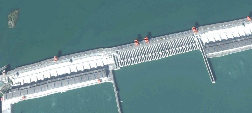 三峡大坝被传已变形将溃堤 中国航天发卫星图打脸弱智谣言