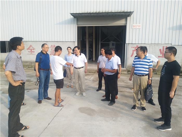 省农机局副局长姜卫东带队到罗田县调研农机社会化服务工作